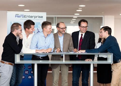 Aero-Enterprise-who-we-are-team-meeting