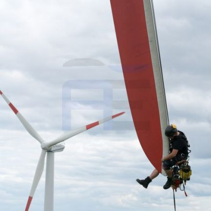Industrial Climber Onshore Rotor blade